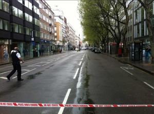 Londra, uomo armato sequestra 4 persone Minaccia di far saltare in aria un palazzo