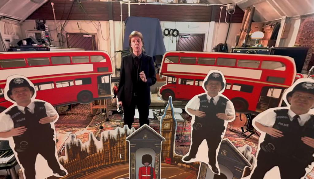 """Un'immagine tratta dai video multimediali che accompagnano l'uscita di """"Pure McCartney"""""""