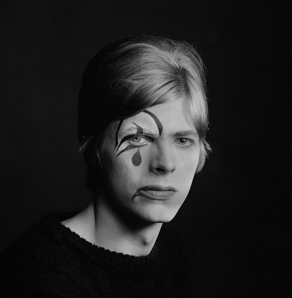 """Uno dei ritratti protagonisti della mostra """"Bowie by Gerald Fearnley"""""""