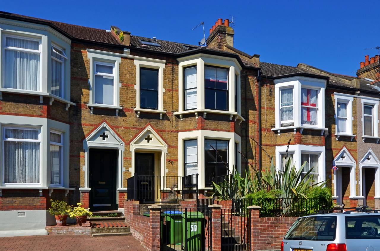 Londra il prezzo delle case scende in picchiata e si for Case inglesi foto