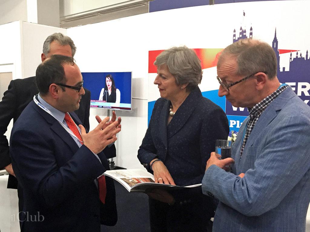 Maurizio Bragagni e il primo ministro inglese Theresa May